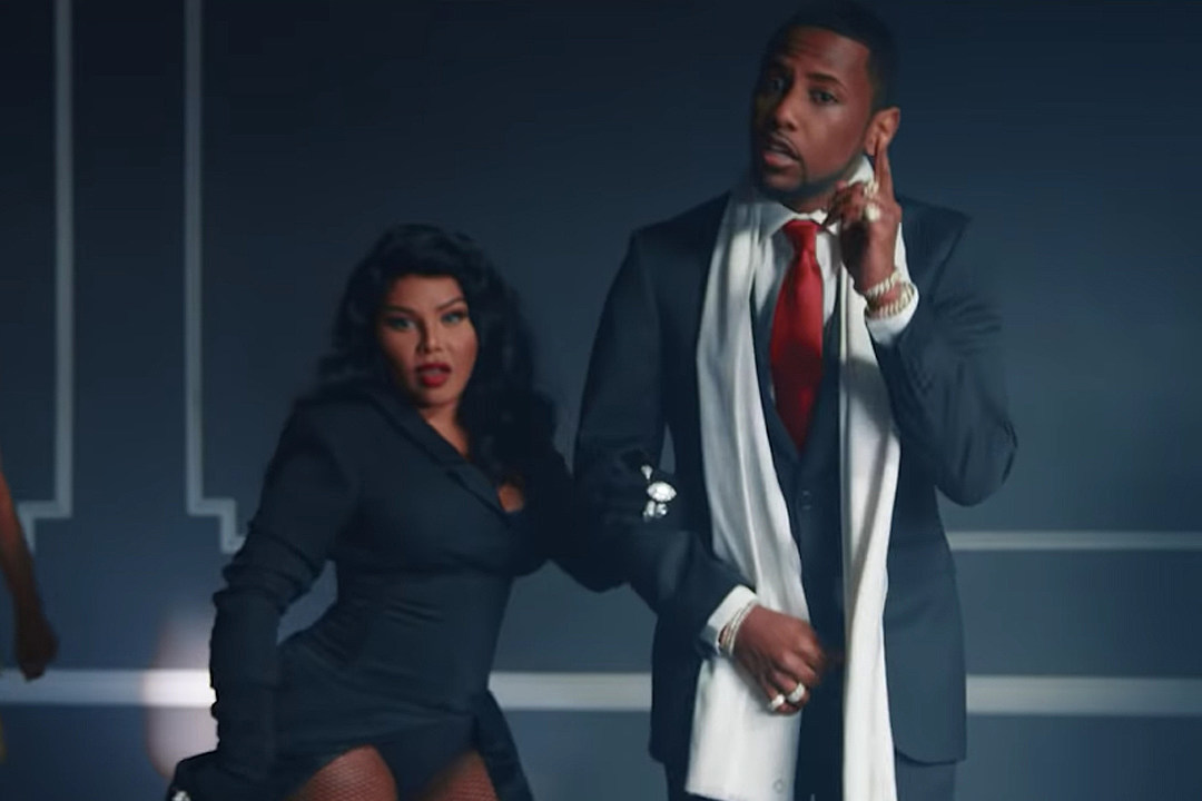 Video Premiere: Lil Kim - Spicy (Feat. Fabolous)