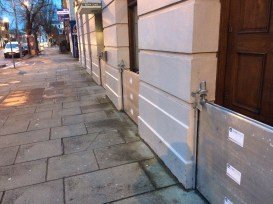 Unless that is adressed, individual flood defences will still be required in the city. Every smart shopkeeper or homeowner in the city should have these anyway!