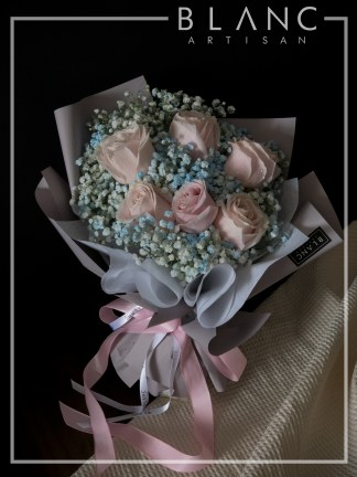 KOBE – VALENTINE'S DAY PINK ROSE & BLUE BABY'S BREATH BOUQUET