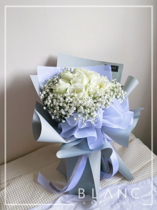 HOKKAIDO – VALENTINE'S DAY WHITE ROSE & WHITE BABY'S BREATH BOUQUET