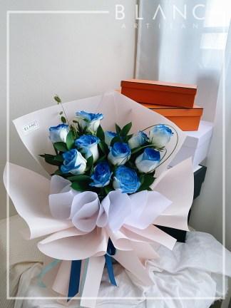 SAPPHIRE – 520 五二零 wǔ èr líng BLUE ROSE BOUQUET DELIVERY