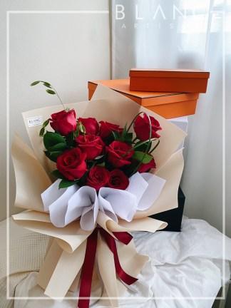 GARNET – 520 五二零 wǔ èr líng RED ROSE BOUQUET DELIVERY