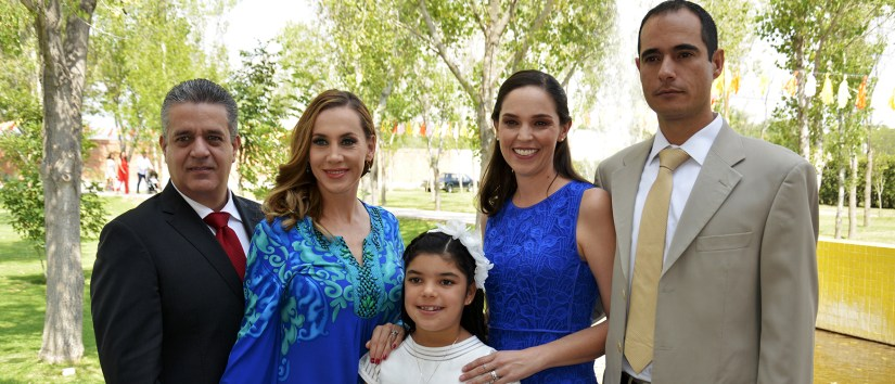 PRIMERCA COMUNION MAYTE, MAYA Y PAULO