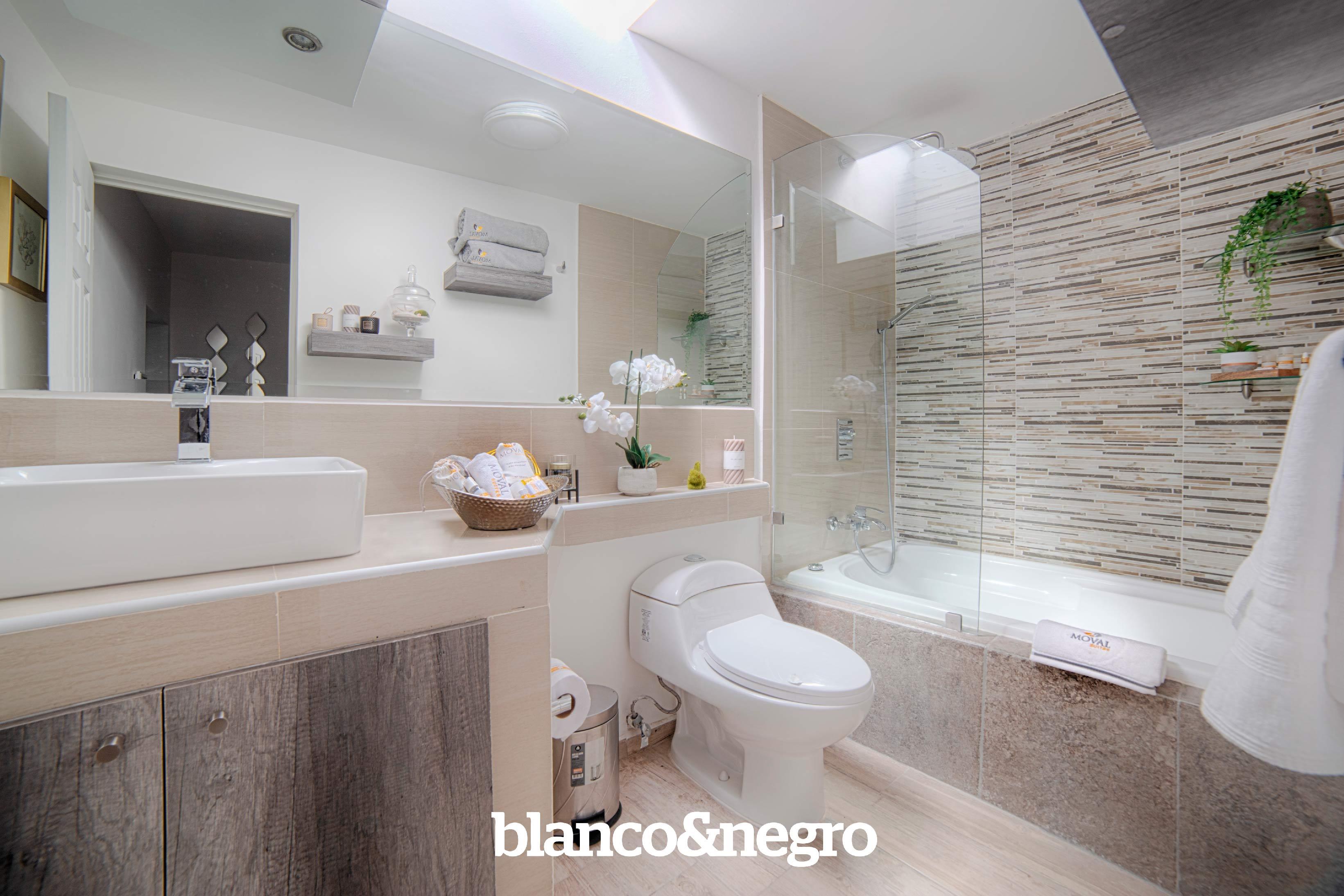 Golden-Suite---Bathroom-v3---Luz-Natural---HDR.OOOKK
