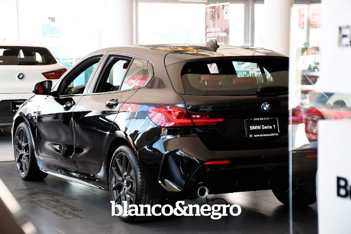 BMW-058