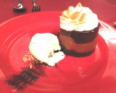 Dessert at El Secreto - the first of many with dulce de leche!