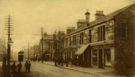 c1915 Andrew Gilmours shop on Glasgow Road, opposite Herbertson St
