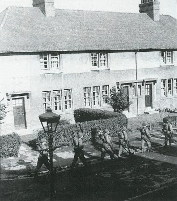 1940 French Army marching in Glenlee St, Burnbank