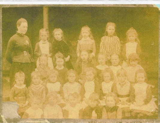 1910 HIgh Blantyre Primary field outing