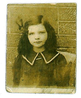 1911 Mary Danskin at Hunthill Rd