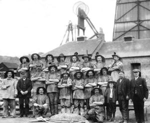 Miners at Bardykes Colliery