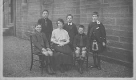 1910 Minnie Ritchie at David Livingstone Church Sunday School