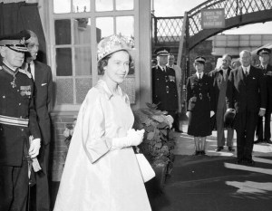 1962 Queen visits Blantyre Project