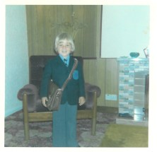 1975 Paul Veverka starts High Blantyre Primary School