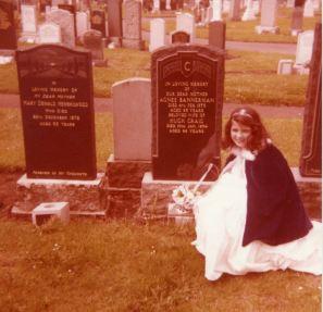 1978 Nancy Gilchrist at her grandparents grave