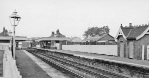 1961 Low Blantyre Station, sent in by Robert Brownlie