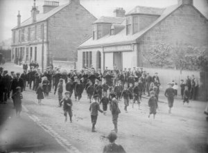 1905 Main Street Flute Band in Main Street