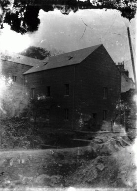 1900 Blantyre Works. Village Mill on River Clyde (PV)