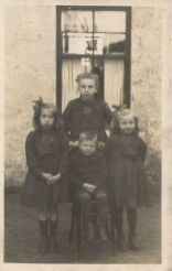 1920 The Main Children pictured a Udston