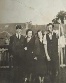 1930 The Gardners and Morgans at Auchinraith Road. Shared by N Scott