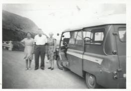 1967 Liz, Hugh and Jessie in Australia with Blantyre Bedford .From J Cochrane