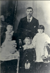 c1900 Thomas, Margaret Jardine & family