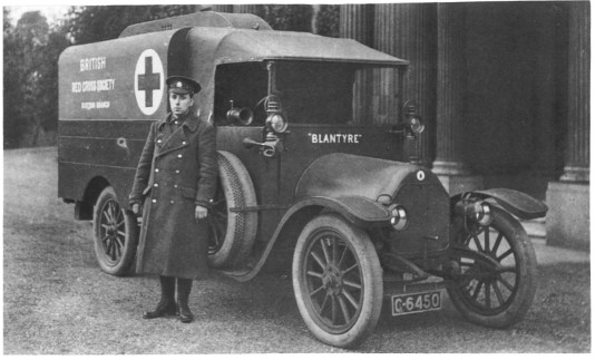 1915 Ambulance at Calderglen House