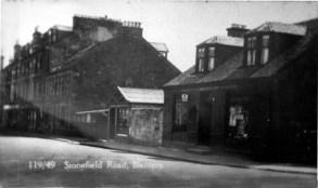 1930s Little's Building beside Robertsons Land