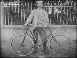 1920 cyclist