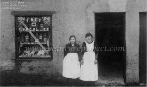 1920 Annie & Margaret Hamilton at Mid Row