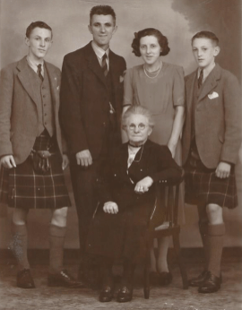 1946 Alex and Mary Crawford & family