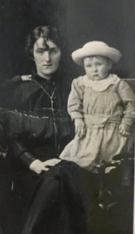 1915 Robert Duncan Bradley & Mary