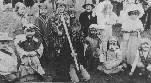 1979 Gala Kids dress up wm