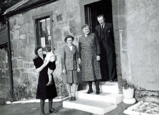 1944 Blantyre Family 1 Calderside Row