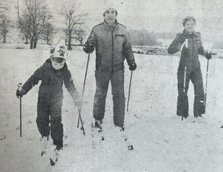1980 Shaw Family Skiiing