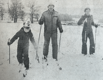 1980 Shaw Family Skiiing