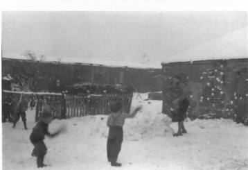 1958 Smith family at 93 Craighead Rows