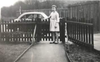 1958 Elizabeth Weaver, aged 10 at Victoria St