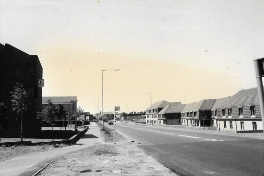 1985 Glasgow Road looking west1