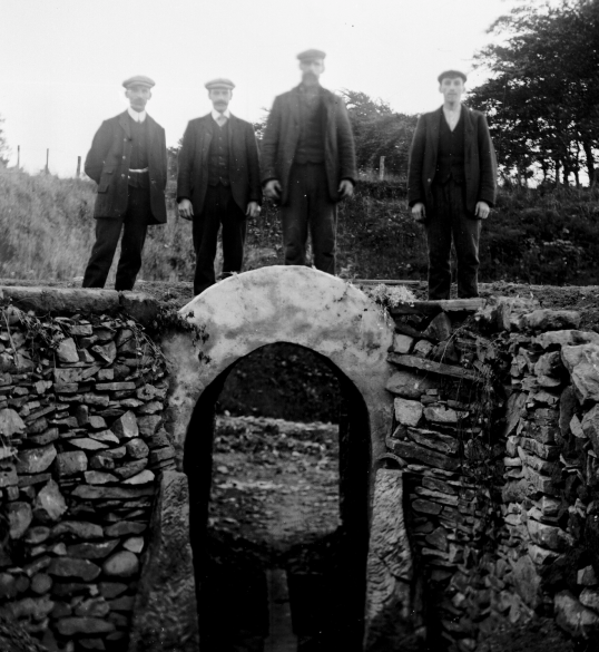1890s 4 men on culvert