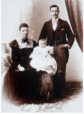 1900 Jane, Matthew and Thia Campbell