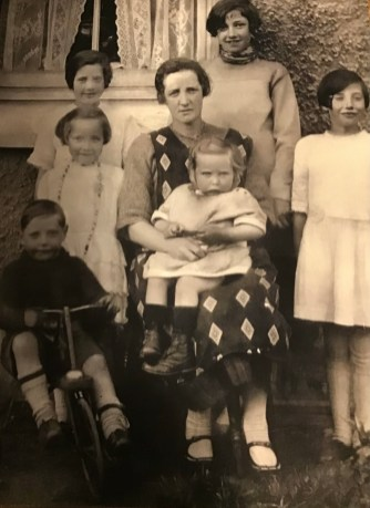 1929 McGrail Family of Welsh Drive