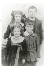1910 The Marshall Children of Calderside, shared by J Cochrane