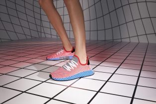 SS18_DEERUPT_QC2624_AC8466_DIRECTIONAL_ON_FOOT_13_012_RGB