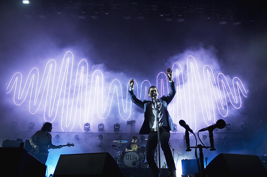 Arctic Monkeys-10