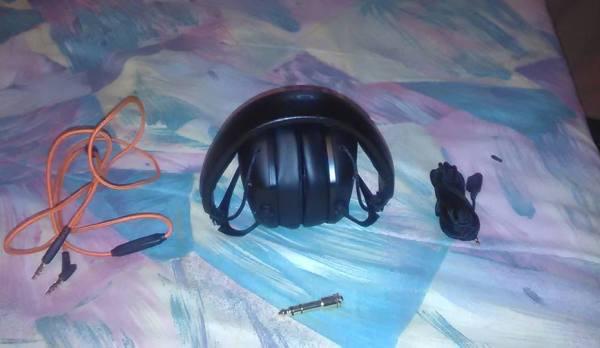 VMODA_Headphones_01