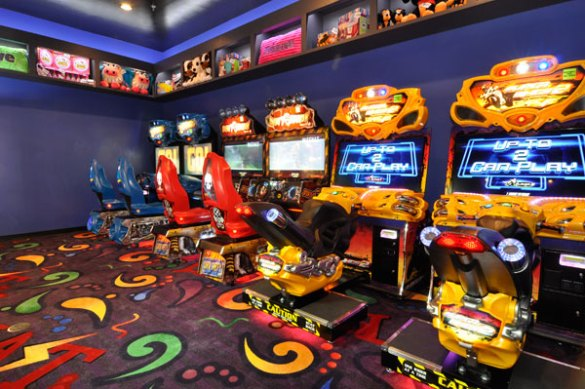 Arcade Activities   Blast Arcade and Laser Maze  Destin Florida     Arcade