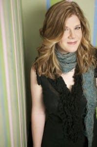 One might be happy to hear that Dar Williams has not lost that edgy, unique, creative vibe.