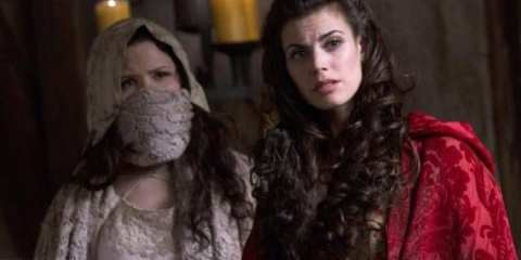 Snow White (Ginnifer Goodwin) and Red Riding Hood (Meghan Ory) hunt down the BIg Bad Wolf.