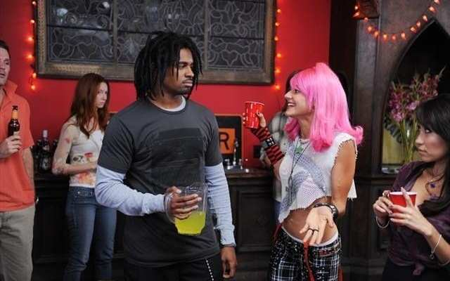 A flashback to the friends past shows that Jane (Eliza Coupe) and Brad (Damon Wayans Jr.) weren't actually love at first sight.